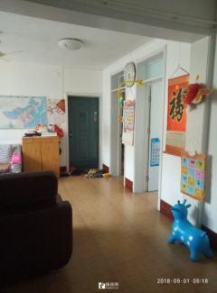 金城东区续三室两厅一卫,地上储藏室相当于一室一厅一卫31平
