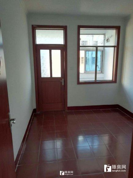 赵王河 一楼带院 三室一厅 优质学区 生活便利