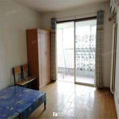 威尼斯一区:沿河观景房,有证可贷款,三室两厅,无绑