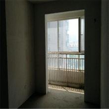 中央城C区电梯中层 三室两厅 证满二 可贷款