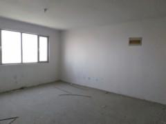 威尼斯27楼136平3室毛坯房贷款126万