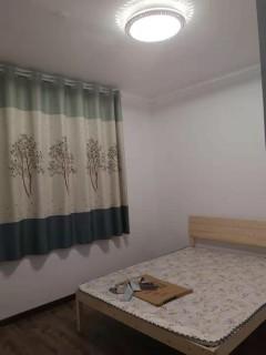 三盛星尚城 三室 简装 有家具 干净温馨  紧邻市政府