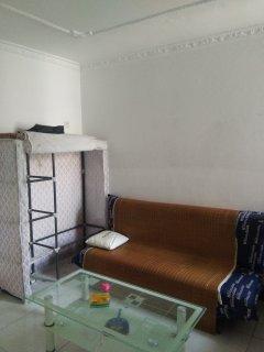 幸福东区三室一厅合租房次卧