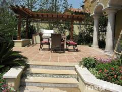 滨江御园别墅一套,带院子,实用面积500平,直接写名