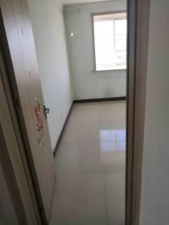 荆善南苑:三室简单装修,有地暖