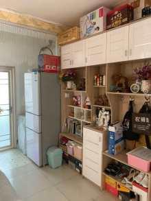 馍馍庄北区,2室1厅1卫,证满五年,能贷款,带储藏室