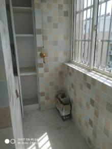 金城花园,3室1厅1卫,精装未住,新证,带储藏室,4楼,