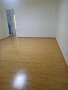 龙泉苑多层5楼3室2厅1卫98m²简单装修90.8万