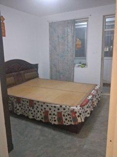金城花园87平3室,床沙发太阳能都有