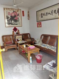 北辛中学对过,赵王河,一楼带40平院子,85平3室2厅