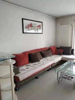 荆河小区,4室2厅1卫,中等装修,家具家电齐全,首次出租