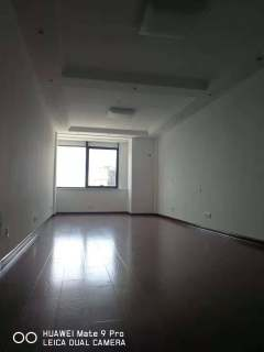 (城北)君瑞城1室1厅1卫58m2简单装修