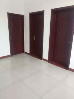 梁场村前街独院出售3室2厅1卫168m2简单装修