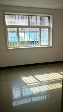 (城西荆西花园多层1楼3室2厅1卫110平简单装修82.6万