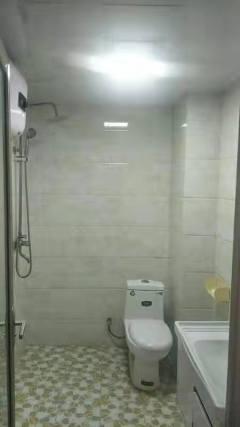 (城东)滕投人和天地1室1厅1卫65m²简单装修