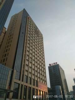 (市中心)中央公馆1室1厅1卫51m²豪华装修
