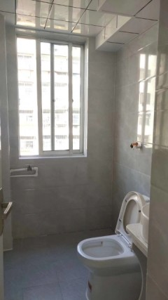 威尼斯二区1室1厅1卫60m²简单装修