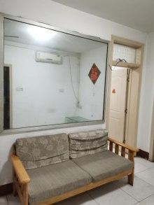 府前小區3室1廳1衛70m2簡單裝修暖氣齊全證滿五年