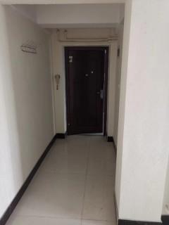 人和天地3室2厅1卫120m²简单装修