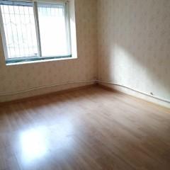 香格里拉3室1厅1卫90m²简单装修