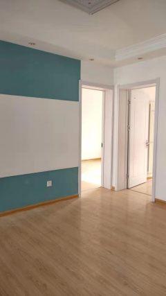 馍馍庄南区3室1厅1卫83m²简单装修水电暖齐全精装全天采光