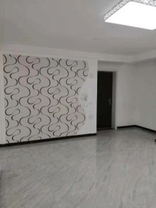 新兴步行街3室1厅1卫108m²简单装修可贷款位置繁华!