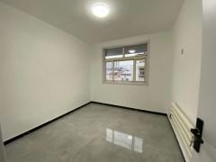 阳光丽景3室2厅1卫112m²简单装修
