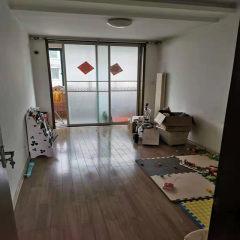 滨江花苑二期 137平 精装修三室 送车库和储藏室 可贷款