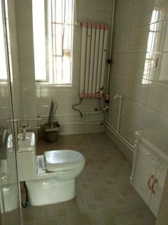 金孔府小区3室1厅1卫80m²精装修54万证满五年