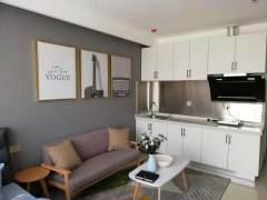 汽车站对过橘子公寓一室一厅豪华装修领包入住1200一月可看房