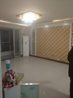 (市中心)中央城3室2厅1卫138m²简单装修