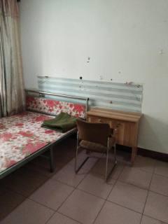 (市中心)平等小区3室1厅1卫20m²简单装修