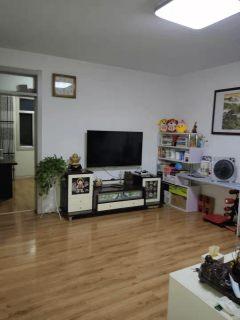 君瑞城南邻城管局宿舍 精装三室拎包即住 户型方正 老证可贷款
