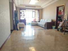 君瑞城3室2厅 135m² 精装修 凤凰层 有证可贷款