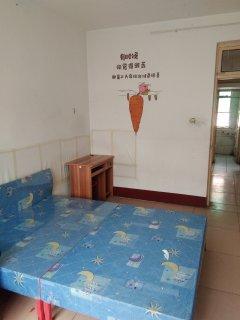 (市中心)府前小区3室1厅1卫70m²简单装修