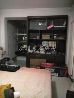 鸿福佳苑 多层3楼 简装修居室 证满5 可贷款