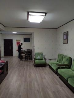 金河湾13楼100平方豪华装修家具家电可以半年交