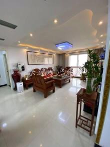 阳光丽景3室 136m²豪华装修 证2 可贷款 有车位储藏室