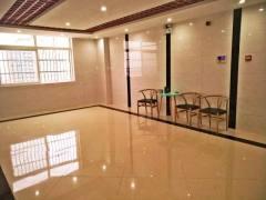 金融大厦70平方大通间出租,采光舒适 价格便宜!