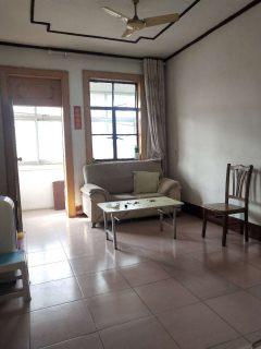 烟厂西宿舍,多层三楼,三室一厅,简单装修,送2个储藏室,证五