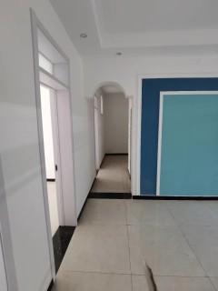 (市中心)降价幸福小区3室1厅1卫88m²毛坯房