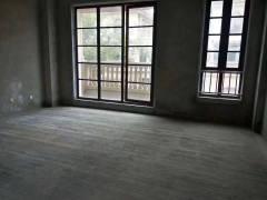 滨江御园三层别墅,五室三厅,前庭后院,车库可停多辆车,可贷款