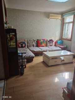 春秋阁北区好楼层三室 户型方正南北通 出门就是实验小学 带储