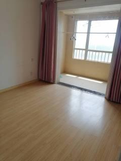 熙城国际诚园 1200/月 三室一厅15楼 简单家具家电