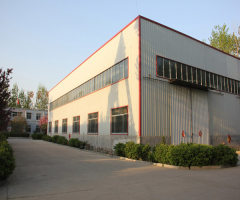 出租720m²左右的双层钢结构厂房(库房),内有行吊