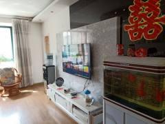 通盛上海花园:三室两厅精装修,中间楼层有证可贷款送储藏室