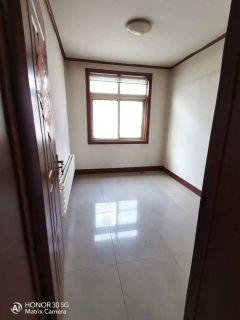 春秋阁4室2厅1卫101m²中等装修房产证满5年可过户贷款