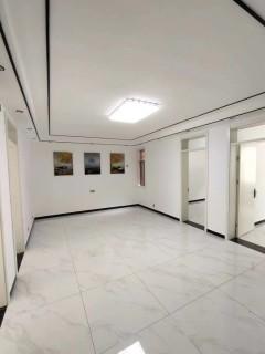 春秋阁1楼4室1厅1卫97精装修90万可贷款