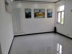 (市中心)春秋阁3室1厅74m²简单装修