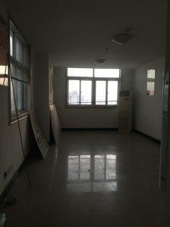 汉庭酒店写字楼45平米 (原新星影院)